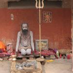 VARANASI: El negocio de la Religión y la Muerte